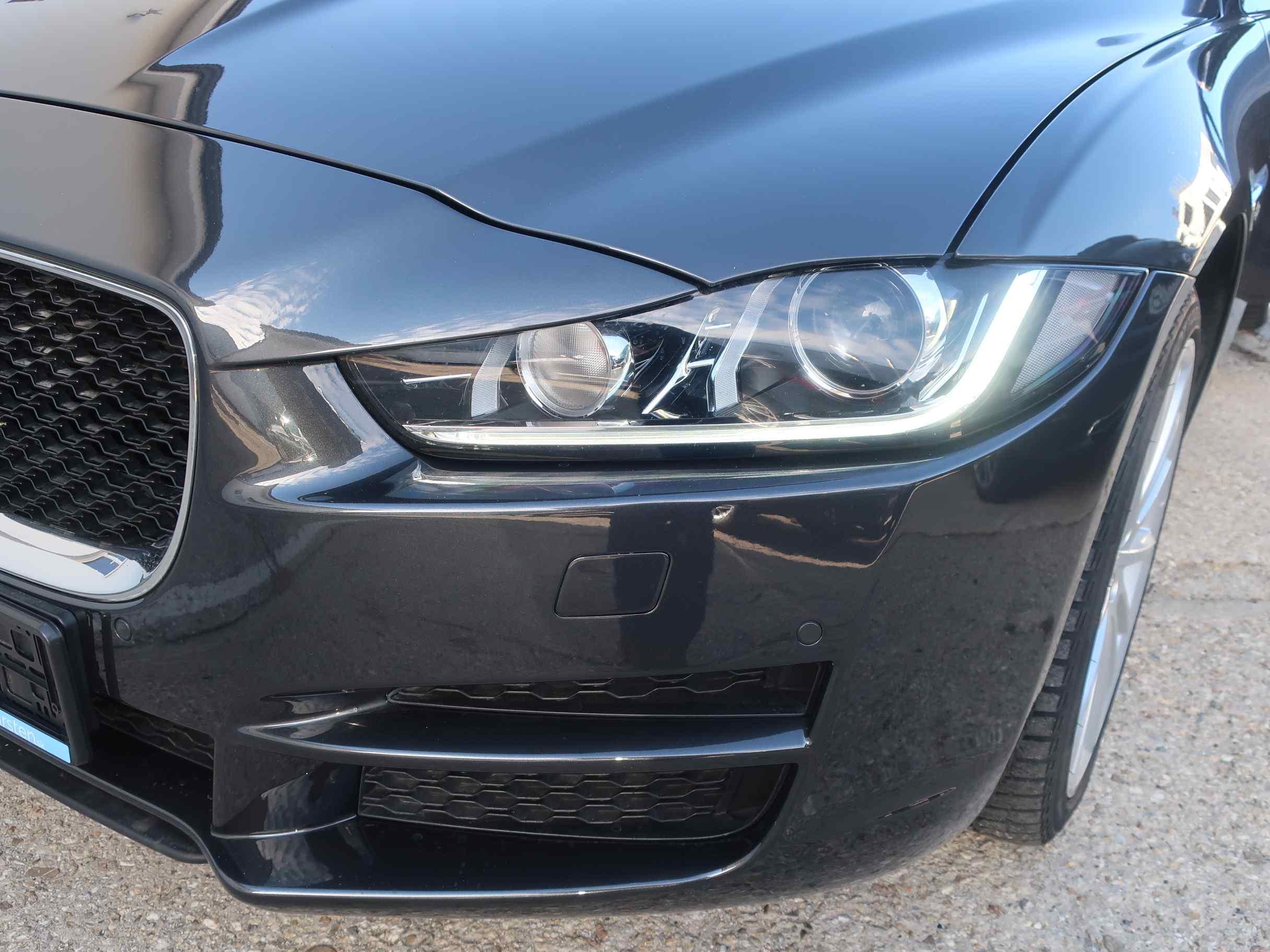 Jaguar XE 2.0 l4D Portfolio AT AWD